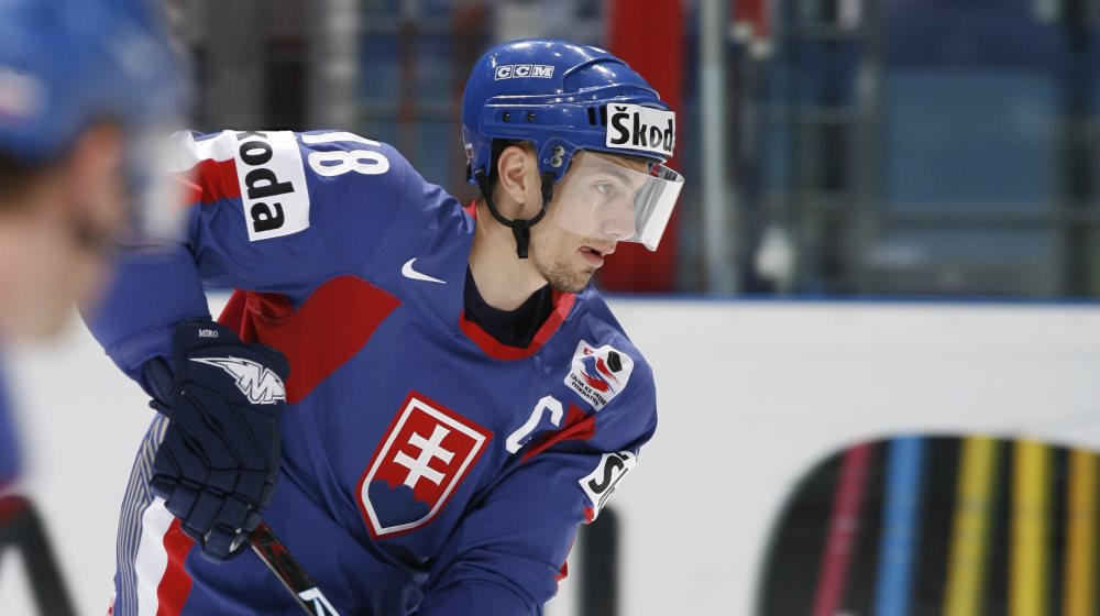 IIHF - Satan dreams of home-ice medal